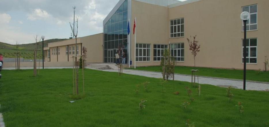 kirikkale-universitesi-iktisat-fakultesi-ve-kok-binasi